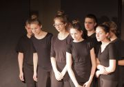 2015-11-05-spektakl-pt-my-czyli-oni-039